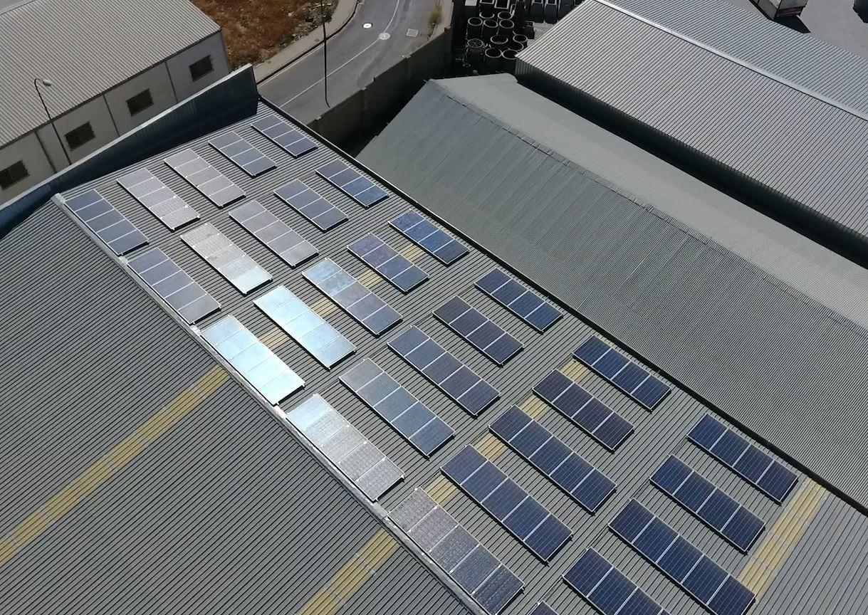 Installation photovoltaïque pour auto-consommation de 37,26kw pour une entreprise de béton préfabriqué à Durcal (Grenade)
